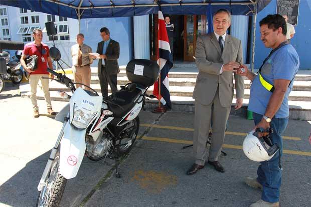 Ministerio de Salud fortalecerá supervisión antitabaco con motocicletas