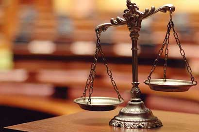 Tres magistrados del TSE fueron reelegidos