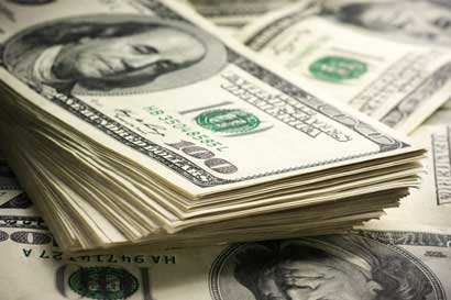 Dólar ya va casi ¢5 arriba en 2017