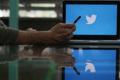 Acciones de Twitter caen ante desaceleración del crecimiento