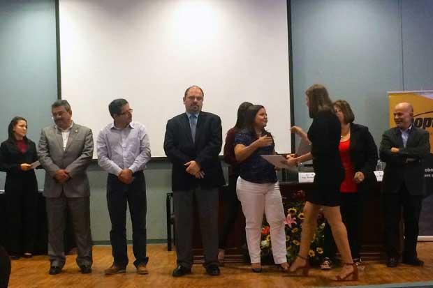 Funcionarios municipales se graduaron en competencias gerenciales y personales