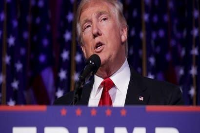 Trump estudia emitir nueva orden migratoria