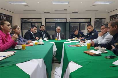 Colegio de Médicos y autoridades se reúnen para mejorar seguridad en clínica Marcial Fallas