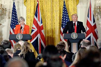 """Trump y Brexit dominan perspectiva europea """"asolada por riesgos"""""""