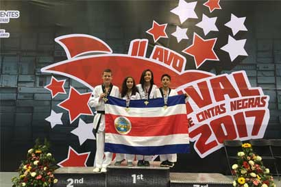 Cadetes de taekwondo consiguen sétima medalla para el país en 2017