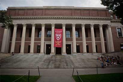 Harvard y otras universidades unidas contra veto migratorio