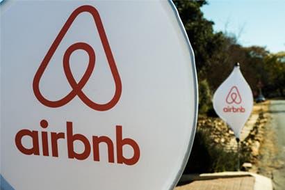 Airbnb acelera tratos para convertirse en gigante de viajes