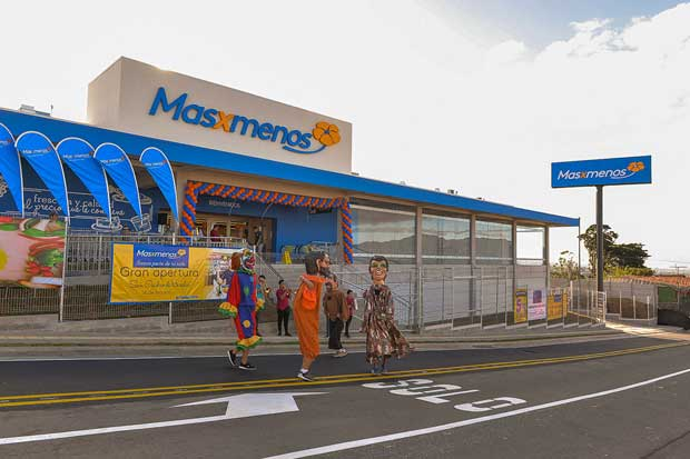 Masxmenos abrió nuevo supermercado en Heredia