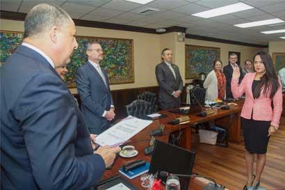 Geannina Dinarte es la nueva ministra de Economía