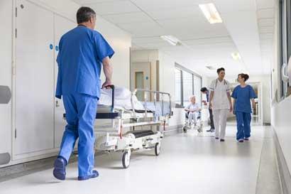 Caja incorporará 11 nuevos especialistas en hospitales del Pacífico Central