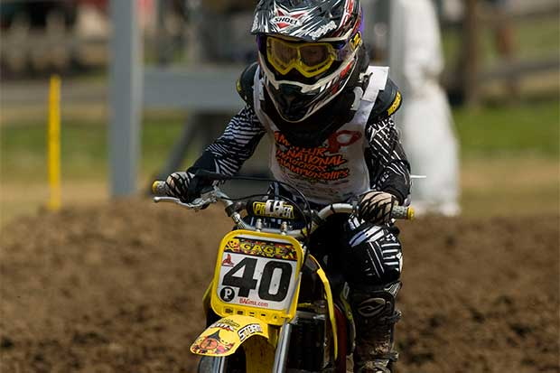 Niños correrán en motocross