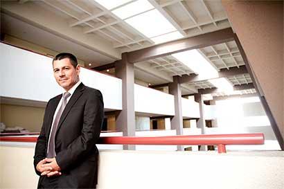 Nuevo programa lleva médicos a los centros educativos