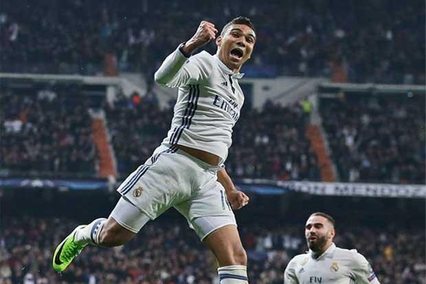 Real Madrid hiere de muerte al Napoli en la Champions