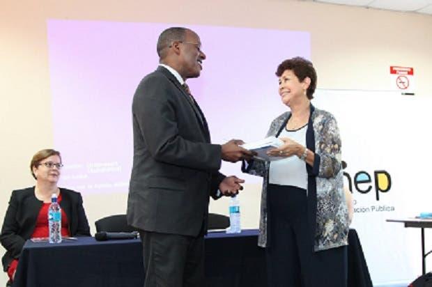 Embajada de Estados Unidos y Cuerpo de Paz monitorearán programas de inglés
