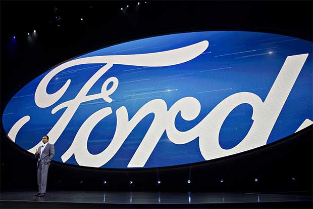 Ingenieros de Ford a favor de vehículos con autonomía total