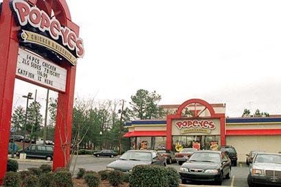 Dueño de Burger King estaría cerca de adquirir cadena Popeyes