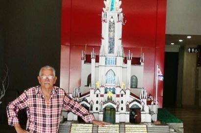 Maqueta de la iglesia de Coronado se exhibe en Curridabat