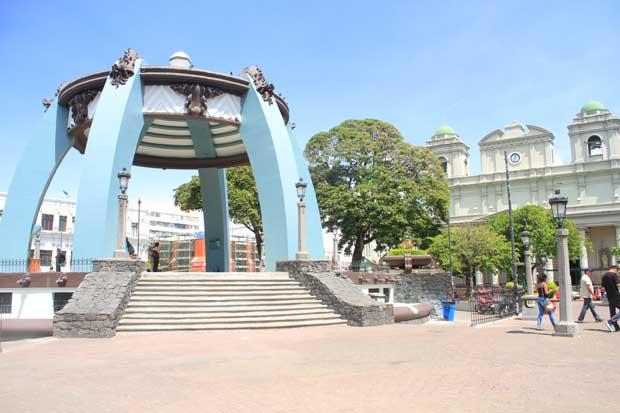 Parques Central y Morazán tienen nueva cara