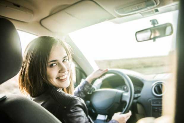 Taxis de Costa Rica está reclutando 150 mujeres taxistas
