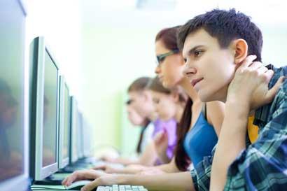 Universidad Earth aumentará velocidades de Internet con fibra óptica