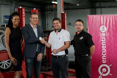 Encuentra24 y AutoPits se unen y brindan certificados para autos usados