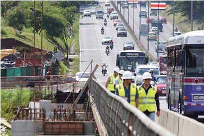 Paso por puente Alfredo González estará cerrado hacia San José