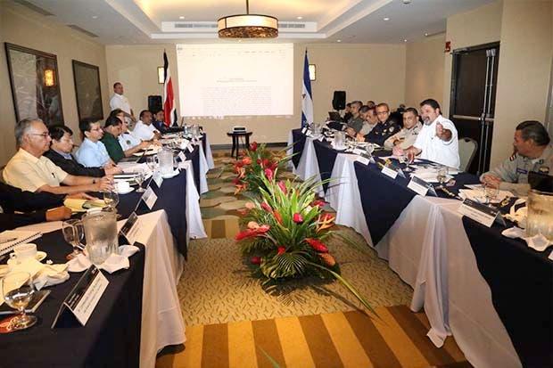Costa Rica y Nicaragua acuerdan mayor cooperación contra el narcotráfico y la trata de personas