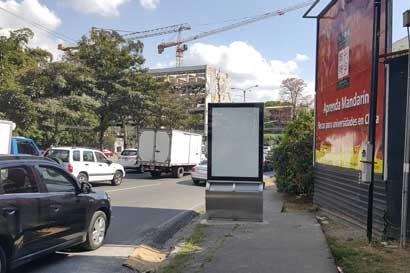 Alcalde de Montes de Oca solicitó al MOPT quitar mobiliario publicitario