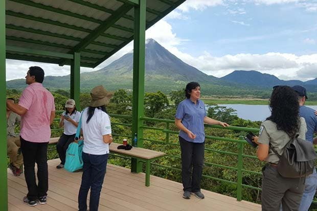 Autoridades recuerdan que acceso a conos de volcanes Arenal y Chato está prohibido
