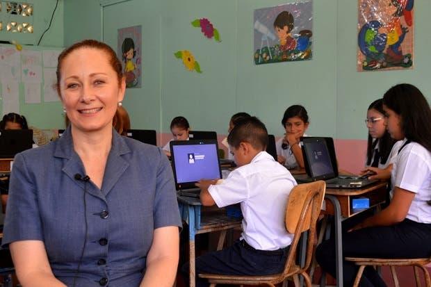 Fundación Omar Dengo instalaría más de 800 tecnologías móviles en centros educativos
