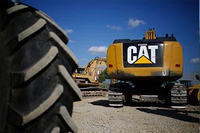 Caterpillar sufre mayor caída en ocho meses tras redada en sede