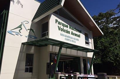 Visitantes podrán disfrutar de mejor infraestructura en parque del volcán Arenal