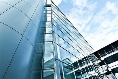 BCR fondos baja precios para atraer más inversionistas
