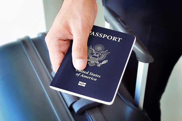 Revisión corporal en aeropuertos de EEUU será más invasiva