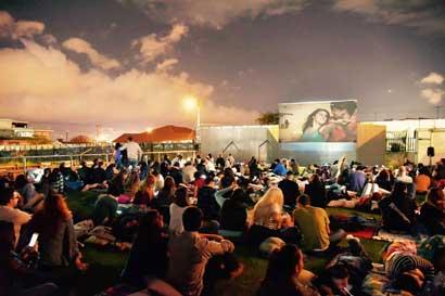 Extienden una semana el cine al aire libre en Escalante