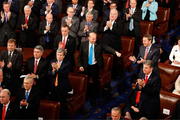 Republicanos presentan legislación para reemplazar Obamacare