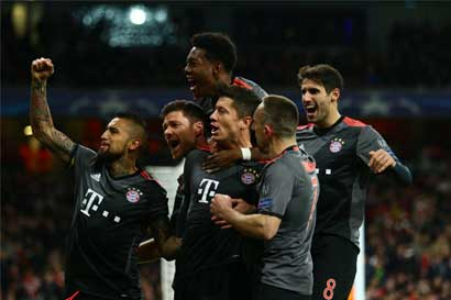 Bayern Múnich y Real Madrid avanzan en la Champions League