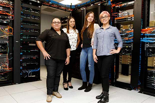 Compañías impulsan el liderazgo de mujeres en áreas técnicas
