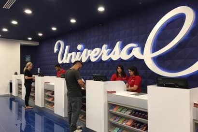 Universal celebra mes de la mujer con descuentos en maquillaje