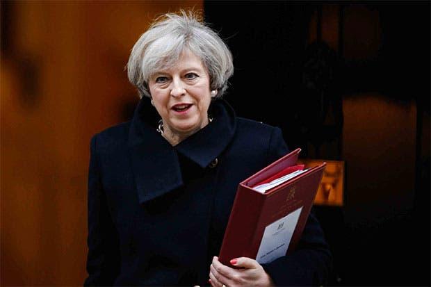 May contraataca ante nueva derrota de ley sobre Brexit