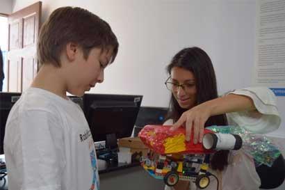 Centro Comunitario Inteligente estrena cursos de robótica