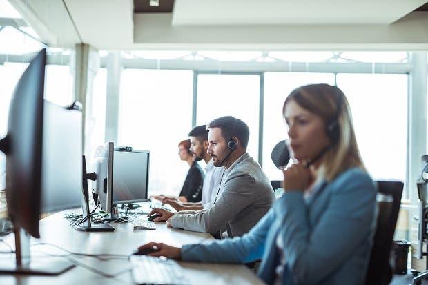 Operadores deberán atender consultas telefónicas en menor tiempo