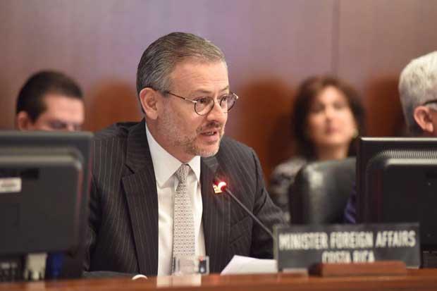 Canciller de Costa Rica y secretario general de la OEA analizaron problemática migratoria de la región