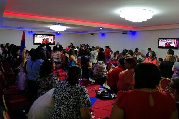 Rafael Ortiz se compromete a tener un 50% de mujeres en su gabinete