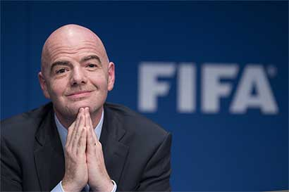 FIFA advierte a Trump
