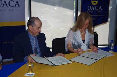 UACA y Ministerio de Justicia firman convenio