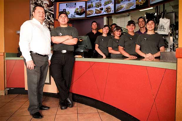 Taco Bell busca llegar a 100 empleados con capacidades especiales
