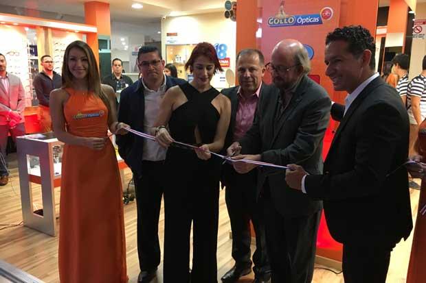 Gollo Óptica inauguró tienda número 100