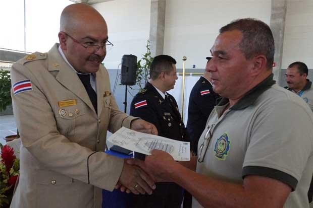 Policías penitenciarios obtienen diplomado en Derechos Humanos