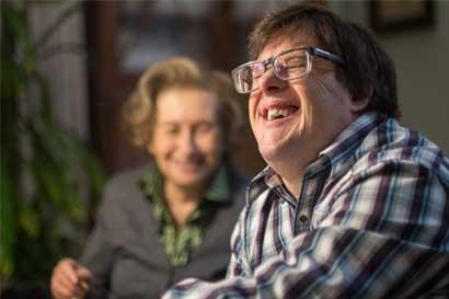 """Libro """"Niños con capacidades especiales"""" busca orientar a padres de hijos con síndrome de Down"""